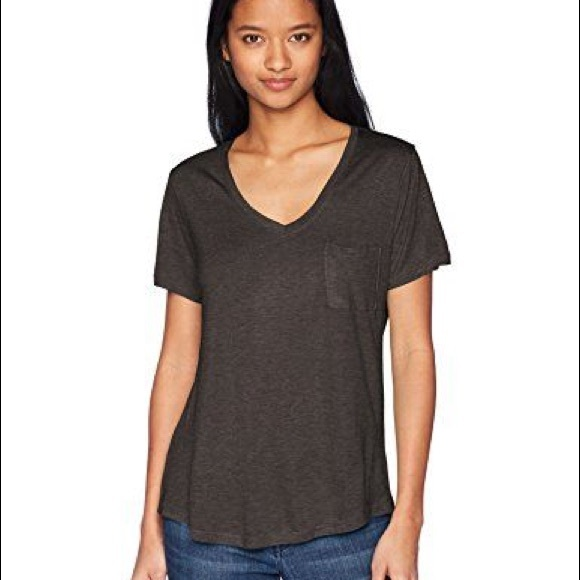 Tresics Tops - ⭐️2/$15⭐️ Tresics soft cotton v-neck t-shirt
